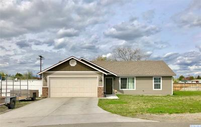 Kennewick Single Family Home For Sale: 329 E 15th Place