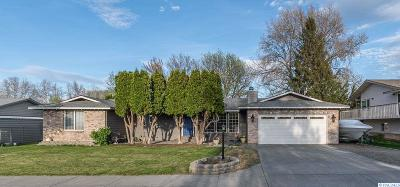 Kennewick Single Family Home For Sale: 207 S Roosevelt St
