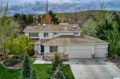 Canyon Lakes Villas, Canyon Lk, Canyon Lk 20, Canyon Lk1, Canyon Lk2, Canyon Lk9 Single Family Home For Sale: 4404 S Irby Loop