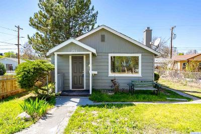 West Richland Single Family Home For Sale: 3706 Grant Loop