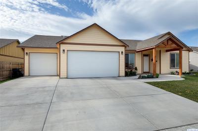 Pasco Single Family Home Active U/C W/ Bump: 5710 Three Rivers Drive
