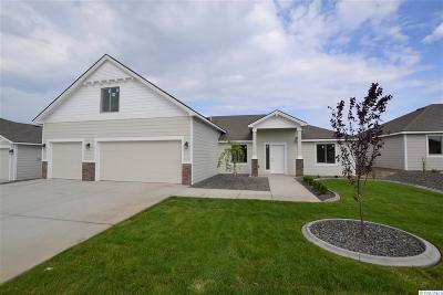 Pasco Single Family Home For Sale: 4326 Goldstream Ln