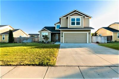 West Richland Single Family Home For Sale: 5241 S Chris