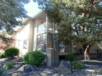 Kennewick Condo/Townhouse For Sale: 3710 W Canyon Lakes Dr. A-101 #A-101