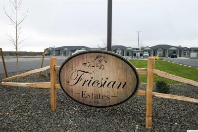 West Richland Condo/Townhouse For Sale: 2710 Friesian Court