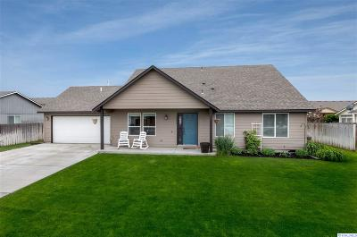 Pasco Single Family Home For Sale: 5506 Johnson Dr