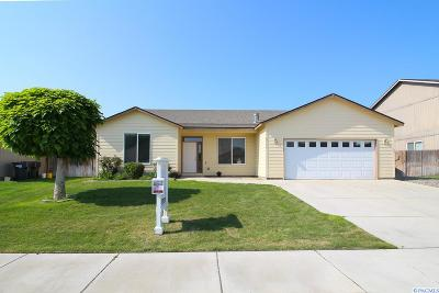 Pasco Single Family Home For Sale: 5511 Coolidge Court