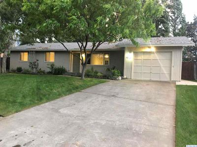 West Richland Single Family Home For Sale: 5313 W Rail Ct