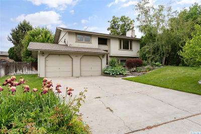 West Richland Single Family Home For Sale: 1701 Goldfinch Ct