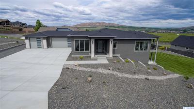 Kennewick Single Family Home For Sale: 82000 E Wallowa Rd.