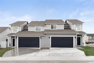 Pasco Multi Family Home For Sale: 5516 Remington Drive