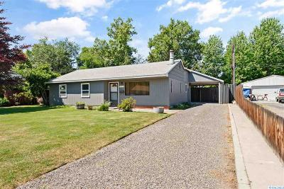 Richland WA Single Family Home For Sale: $220,000