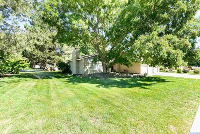 Richland Single Family Home For Sale: 100 Fairwood Ct.