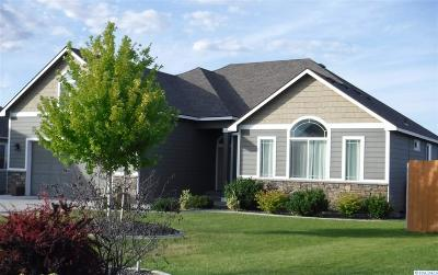 West Richland Single Family Home For Sale: 6230 Cobalt Dr