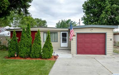 West Richland Single Family Home For Sale: 1171 N 61st Ave