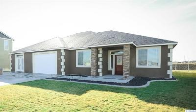 West Richland Single Family Home For Sale: 773 Pikes Peak Dr