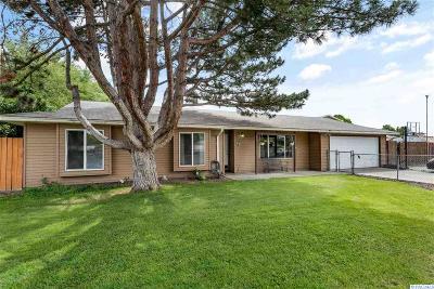 Burbank Single Family Home For Sale: 75 Birch