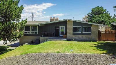 Kennewick Single Family Home For Sale: 1324 N Arthur Place