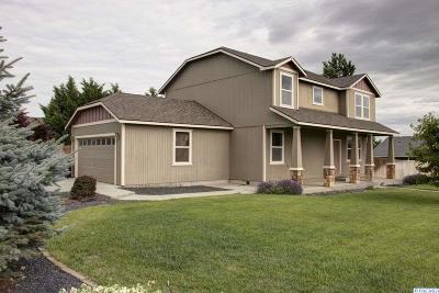 West Richland Single Family Home For Sale: 2100 Diamond Head Way