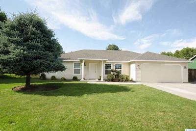 Benton County Single Family Home For Sale: 2707 S Tacoma Place