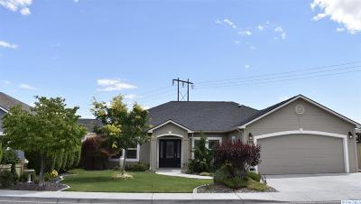 Kennewick Single Family Home For Sale: 8411 W Bruneau Pl