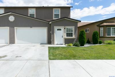 Kennewick Condo/Townhouse For Sale: 526 N Grant