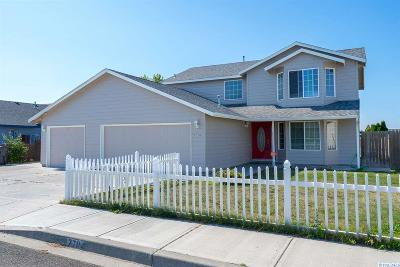 Pasco Single Family Home For Sale: 7704 Vendovi