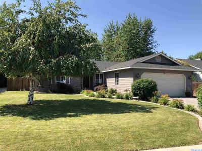 West Richland Single Family Home For Sale: 4701 Kendall Way