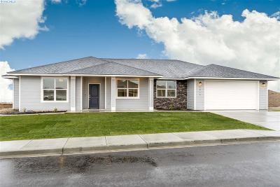 Pasco Single Family Home For Sale: 3214 Lapis Ln.