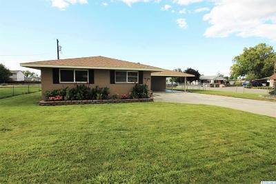 Kennewick Single Family Home For Sale: 4004 W Deschutes Ave