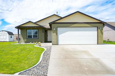 Pasco Single Family Home For Sale: 6302 Wildcat Ln.