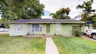 Kennewick Single Family Home For Sale: 817 S Fruitland Street