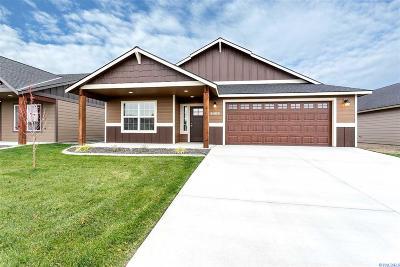 Pasco Single Family Home For Sale: 6409 Springer Lane