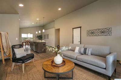 Pasco Single Family Home For Sale: 6405 Springer Lane