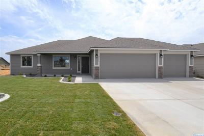 Pasco Single Family Home For Sale: 8116 Babine Dr