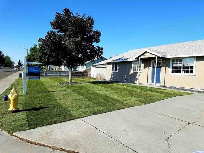 West Richland Single Family Home For Sale: 3146 Iris St