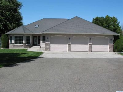 West Richland Single Family Home For Sale: 3400 Clearlake Court