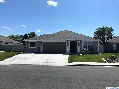 Kennewick Single Family Home For Sale: 1527 W 33rd Place