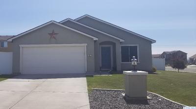 Pasco Single Family Home For Sale: 3207 Keeneland Lane