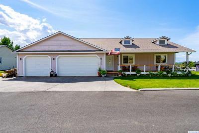 Prosser Single Family Home For Sale: 1305 Desert Cove