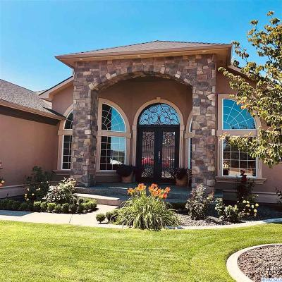 Benton County Single Family Home For Sale: 3071 Bluffs Dr.