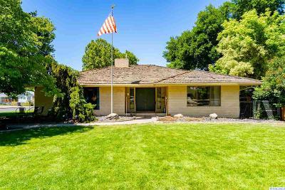 Prosser Single Family Home For Sale: 1104 Spokane Ave.