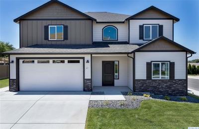 Prosser Single Family Home For Sale: 61 Ellie Ann Ct (Lot 18)