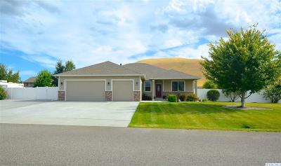 West Richland Single Family Home For Sale: 5989 Willowbend St.