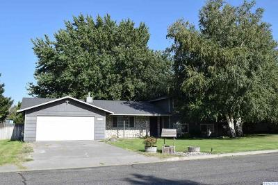 Kennewick Single Family Home Active U/C W/ Bump: 4507 S Kent Street