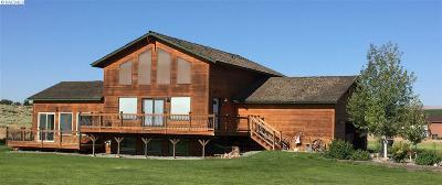 West Richland Single Family Home For Sale: 98104 N Harrington Rd
