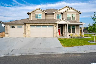 West Richland Single Family Home For Sale: 548 Athens Dr
