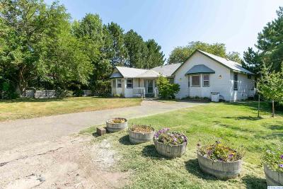 Benton City Single Family Home For Sale: 40603 N Highland Rd.