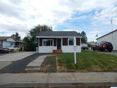 Richland WA Single Family Home For Sale: $160,000