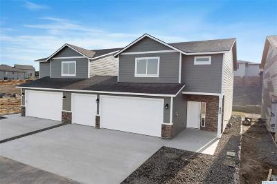 West Richland Condo/Townhouse For Sale: 486 Bedrock Loop